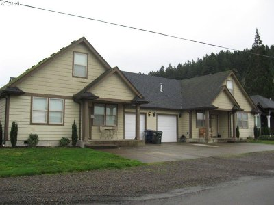 Creswell Multi Family Home For Sale: 520 Butte Rd