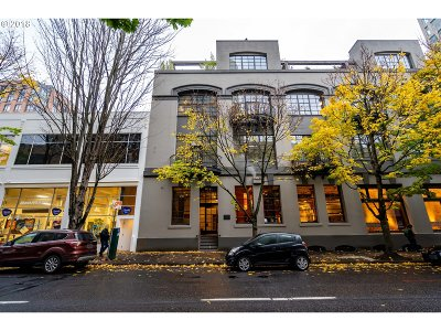 Multnomah County Condo/Townhouse For Sale: 1011 NW Glisan St #303