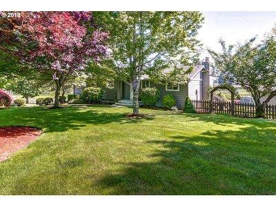Single Family Home For Sale: 9426 SE Revenue Rd