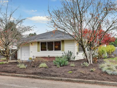 Single Family Home For Sale: 4932 SE 51st Ave