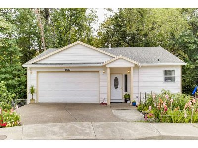 Oregon City Single Family Home For Sale: 13767 Swordfern Ct