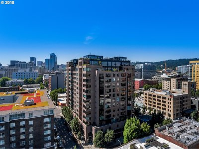 Portland Condo/Townhouse For Sale: 333 NW 9th Ave #1502