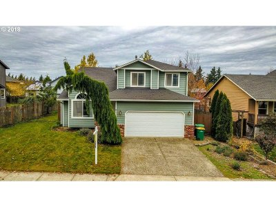 Troutdale Single Family Home For Sale: 433 SE 11th Cir