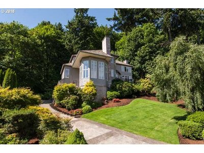 Lake Oswego Single Family Home For Sale: 1500 Eastview Ct