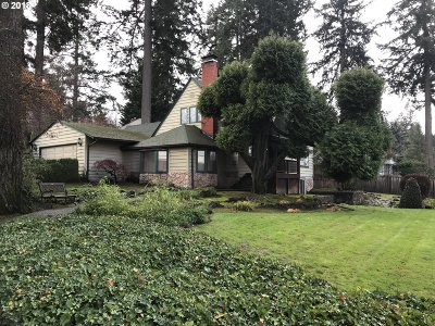Lake Oswego OR Single Family Home For Sale: $999,000