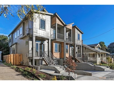 Multnomah County Condo/Townhouse For Sale: 2618 SE 51st Ave #A