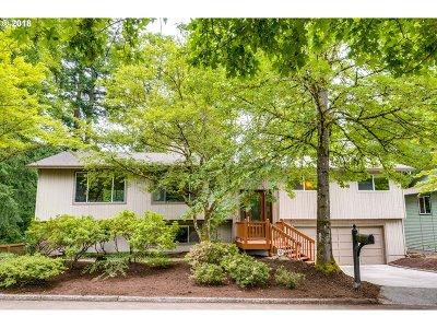 Cedar Mill Single Family Home For Sale: 9620 SW Washington St