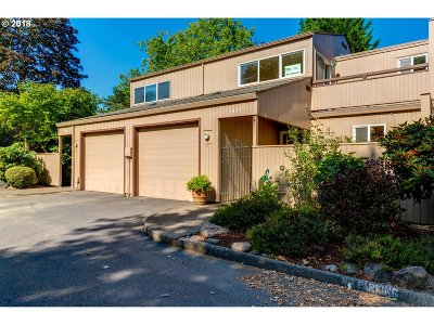 Beaverton Condo/Townhouse For Sale: 1815 NW Rolling Hill Dr