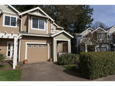 West Linn Single Family Home For Sale: 20185 Hoodview Ave