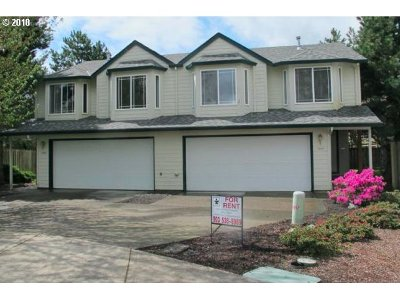 Newberg, Dundee, Mcminnville, Lafayette Multi Family Home Pending: 1000 Pennington Ct