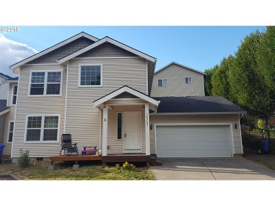 Sandy Single Family Home For Sale: 38365 Barlow Pkwy