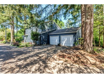 Oregon City Single Family Home For Sale: 13501 Applegate Ter