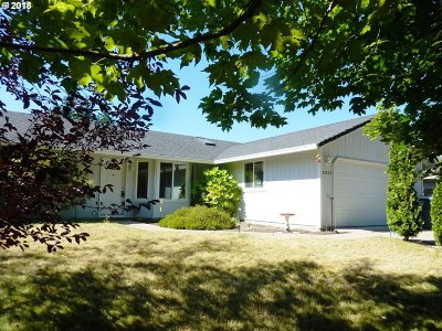 Veneta, Elmira Single Family Home For Sale: 25226 Perkins Rd