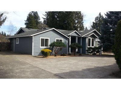 Milwaukie Single Family Home For Sale: 15710 SE Webster Rd