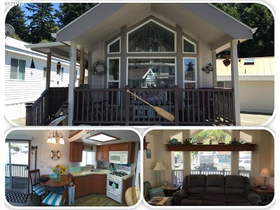 Brookings Single Family Home For Sale: 16219 Lower Harbor Rd #18