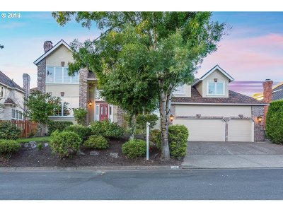 Lake Oswego Single Family Home For Sale: 4105 Pfeifer Ct