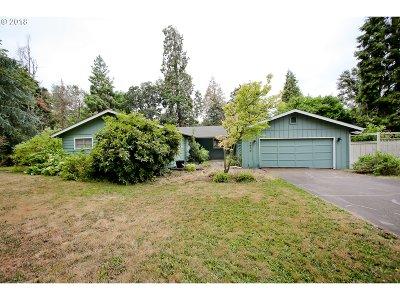 Eugene Single Family Home For Sale: 1600 Russet Dr