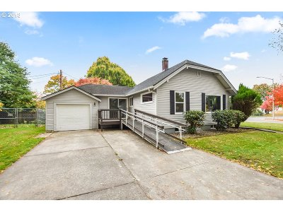 Cowlitz County Single Family Home For Sale: 1847 Nichols Blvd