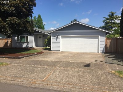 Springfield Single Family Home For Sale: 355 49th St