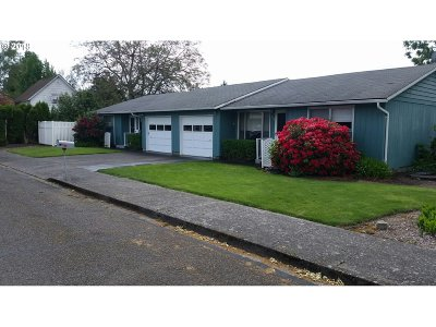 Newberg, Dundee, Mcminnville, Lafayette Multi Family Home Pending: 630/640 SW Derby St