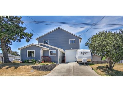 Coos Bay Single Family Home For Sale: 830 Fenwick