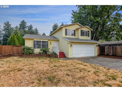 Portland Single Family Home For Sale: 13447 NE Couch St