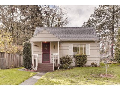 Milwaukie, Clackamas, Happy Valley Single Family Home For Sale: 15323 SE Linden Ln