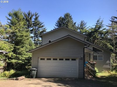 Gold Beach OR Single Family Home For Sale: $369,500