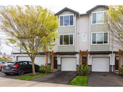 Beaverton Condo/Townhouse For Sale: 15435 SW Mallard Dr #102
