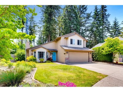 Clackamas Single Family Home For Sale: 14400 SE Morning Sun Ct