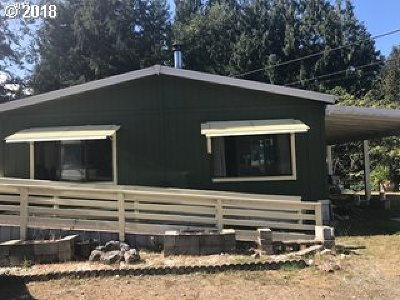 Coquille Single Family Home For Sale: 1050 N Cedar Point Rd #B6
