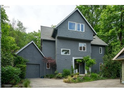 Portland Single Family Home For Sale: 3452 NW Vaughn St