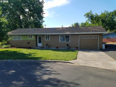 Pendleton Single Family Home For Sale: 1522 SW 40th Pl