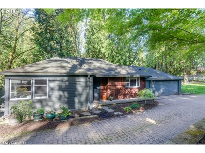 Portland Single Family Home For Sale: 2645 SW 87th Ave
