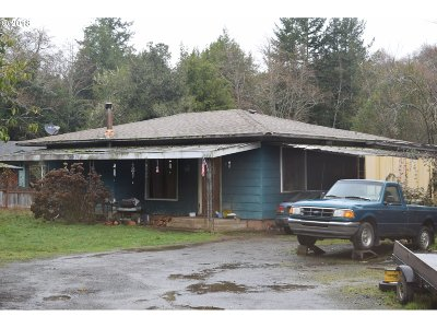 Coquille OR Single Family Home For Sale: $149,000