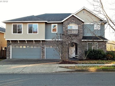 Milwaukie, Clackamas, Happy Valley Single Family Home For Sale: 14518 SE Pebble Beach Dr