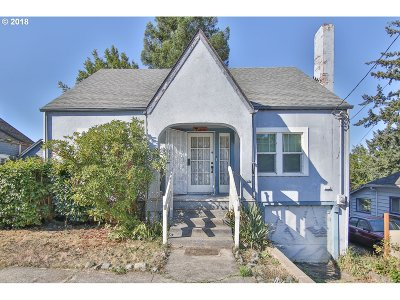Coquille Single Family Home For Sale: 381 N Baxter