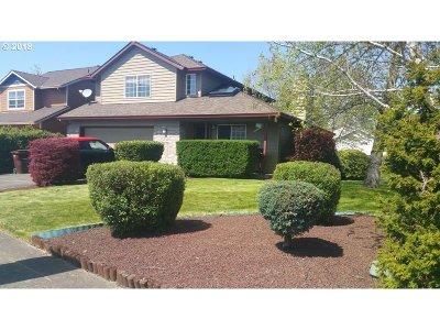 Molalla Single Family Home For Sale: 1319 Meadowlark Pl