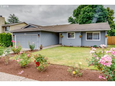 Happy Valley, Clackamas Single Family Home For Sale: 11380 SE Abby Ln