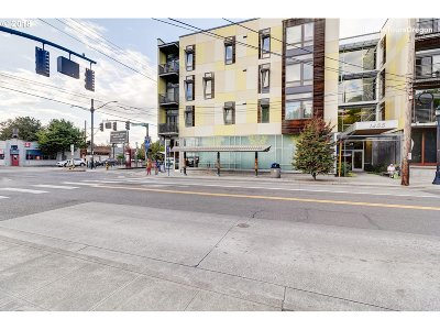 Condo/Townhouse For Sale: 1455 N Killingsworth St #304