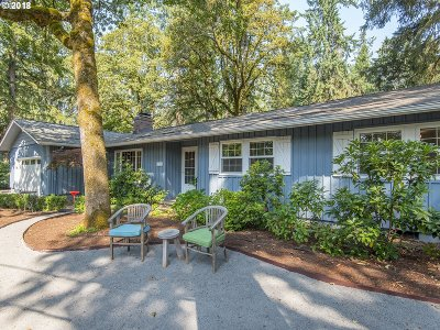 Lake Oswego Single Family Home For Sale: 17323 Lake Haven Dr