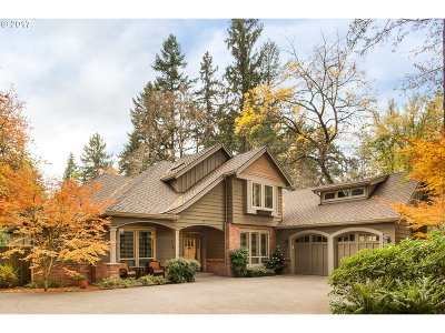 Lake Oswego Single Family Home For Sale: 3485 Upper Dr