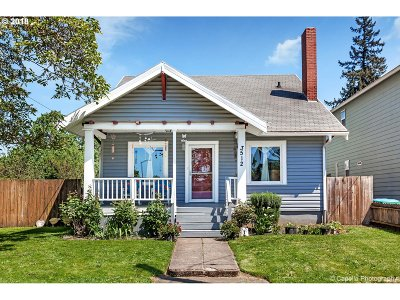 Portland Single Family Home For Sale: 3512 SE 68th Ave