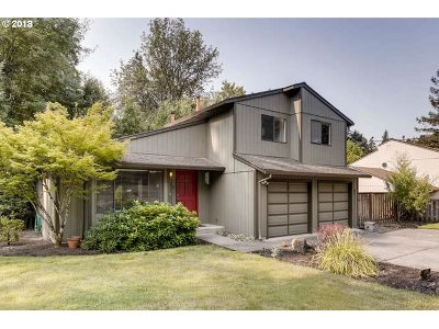 Single Family Home For Sale: 3330 SW Caraway Ct