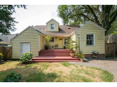 Portland Single Family Home For Sale: 3424 NE 32nd Pl