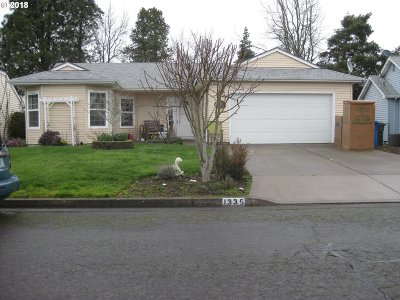 Woodburn Single Family Home For Sale: 1335 Mulberry Dr