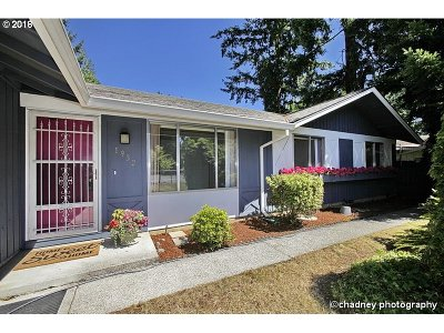 Portland Single Family Home For Sale: 1932 SE 148th Ave