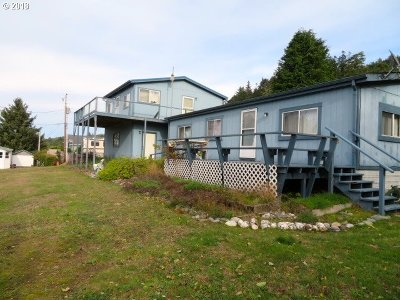 Gold Beach Single Family Home For Sale: 94690 Raccoon Ln