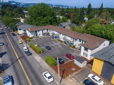 Portland Multi Family Home For Sale: 4039 SE Holgate Blvd