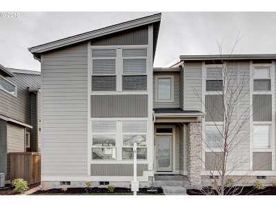 Hillsboro Single Family Home For Sale: 5216 SE Lone Oak St